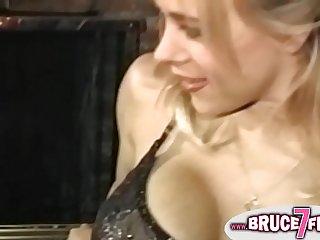 Retro lesbians licking