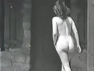 Vintage aunty in nude